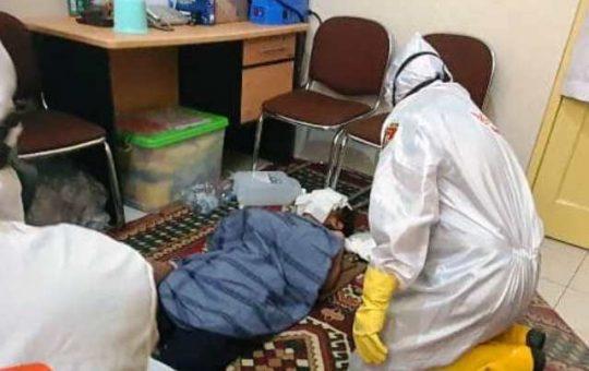 mayat di masjid